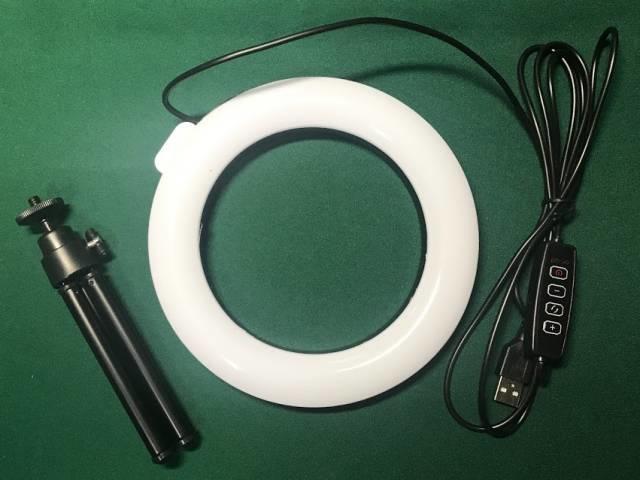 「LEDリングライト30」の内容物