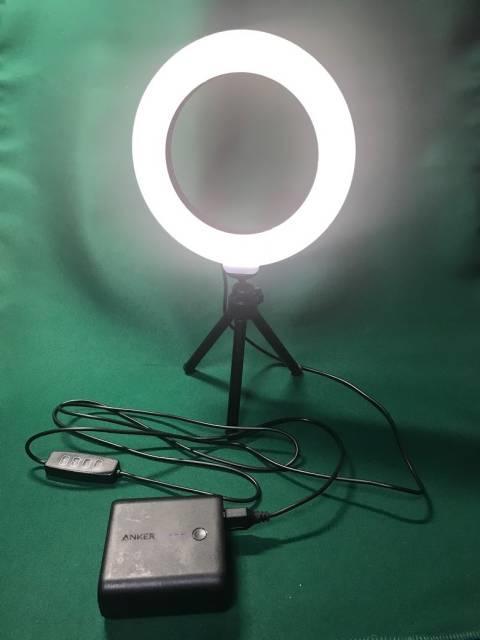 モバイルバッテリーで「LEDリングライト30」を利用可