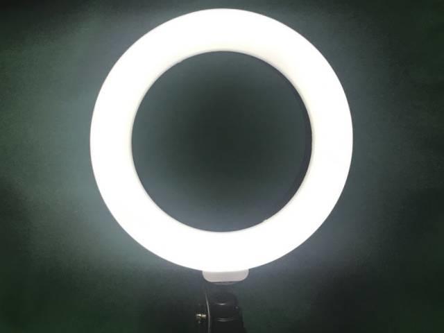 「LEDリングライト30」の最高輝度