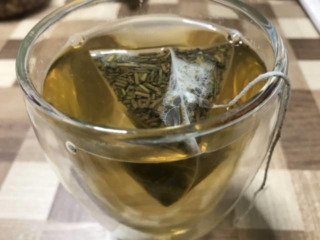 こととやの「加賀のお茶屋の棒ほうじ茶」を飲んでみる