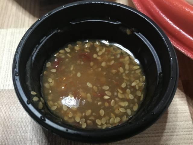 ロピアの弁当「シンガポール名物 海南鶏飯」のタレ