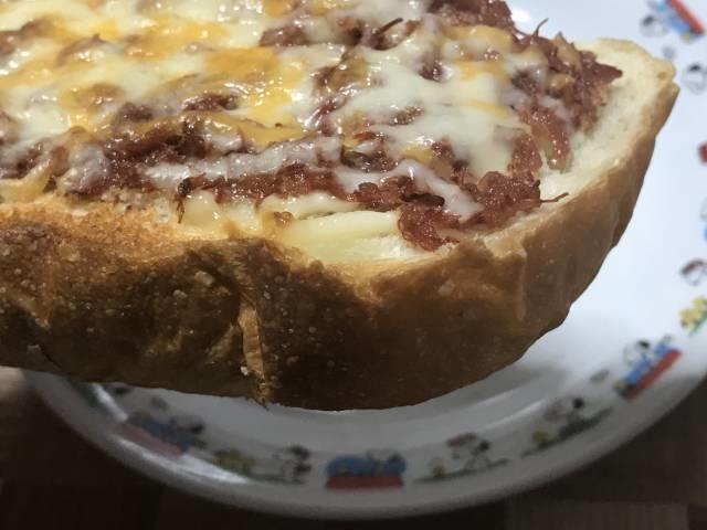 コンビーフマヨチーズトースト