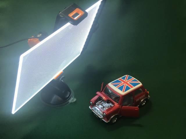 タブレットホルダーで「LEDライティングボード」を固定