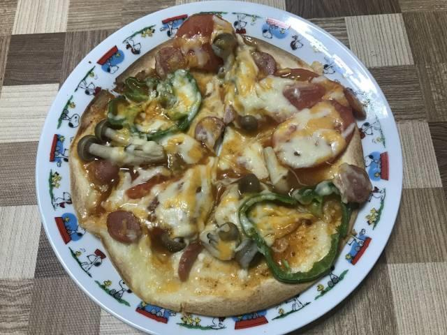 焼き上がったトルティーヤピザ