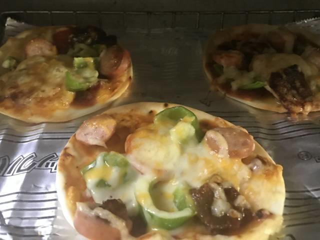 ミニピザをオーブントースターで焼く