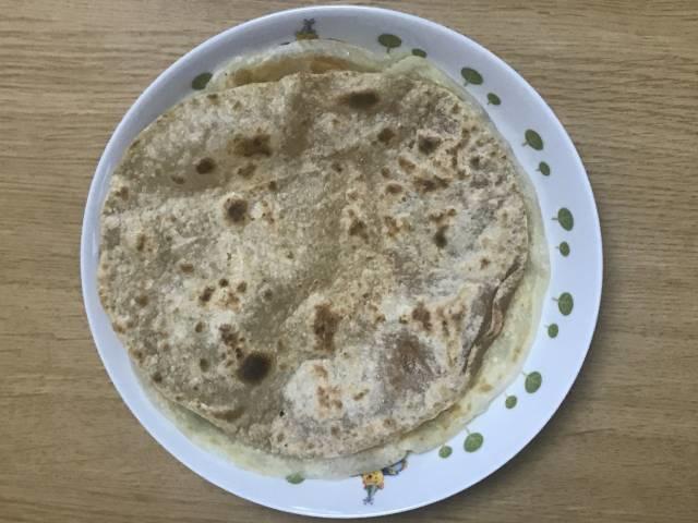 フライパンで焼いた「チャパティ」
