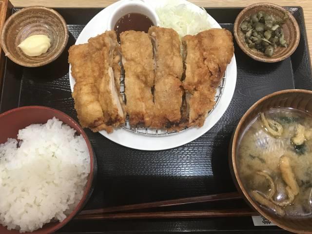 三田食堂の「山賊揚げ定食」