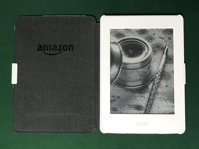 第7世代Kindle Paperwhiteと専用カバー