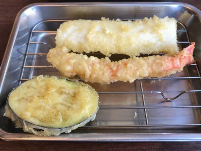 イカ、海老、茄子の天ぷら