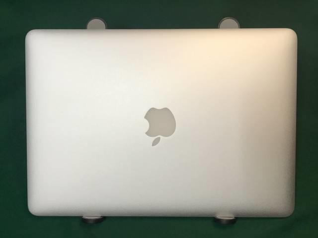「モバイルPCスタンドMAX」とMacbook Air