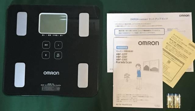 オムロン体重体組成計「HBF-227T」内容物