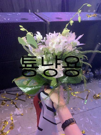 nct127 テヨンがファンにあげた花束の画像