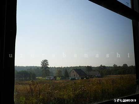 クラクフからオシフェンチム行きの列車の窓から見た景色