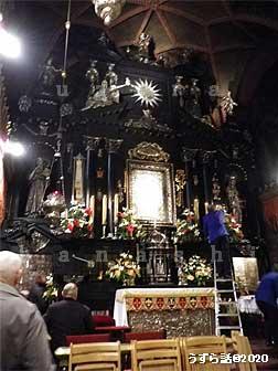 ヤスナ・グラ修道院の黒いマリアがある祭壇