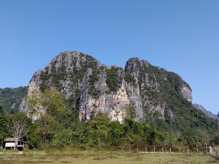 バンビエンの山