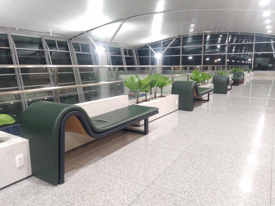ホーチミン、タンソンニャット空港の休憩所