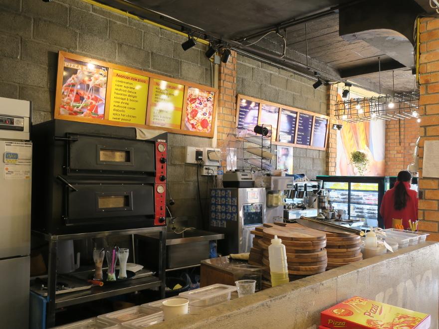 バンビエンのパリジャン・カフェ(Parisien Cafe)