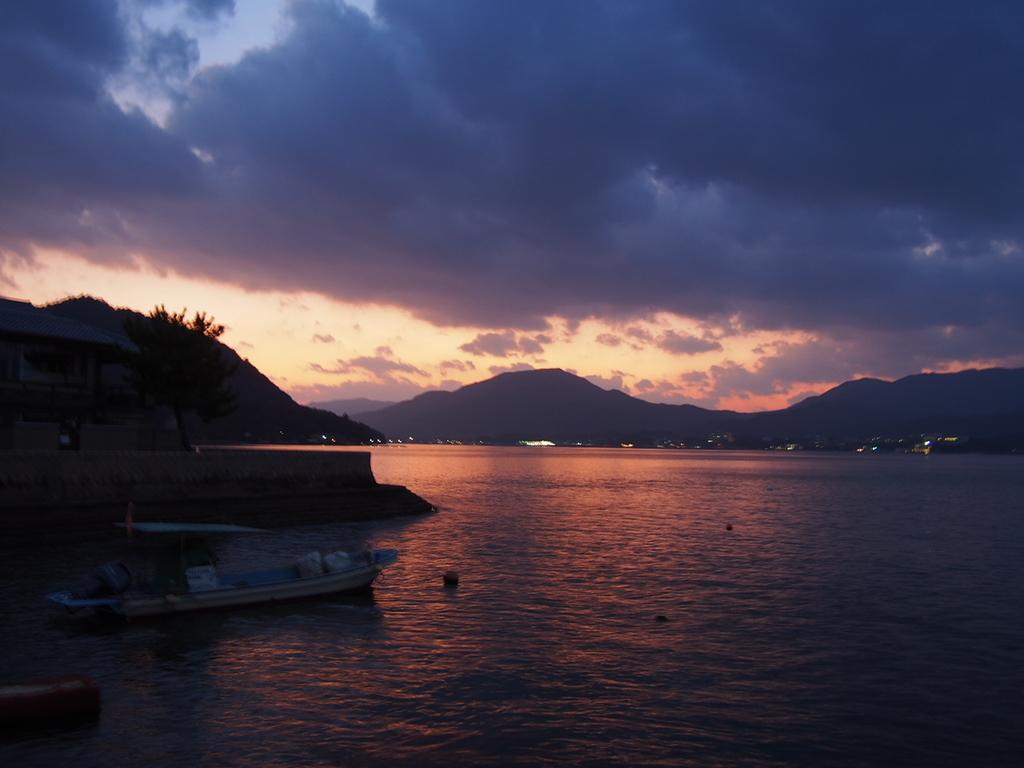 広島県宮島の港の風景