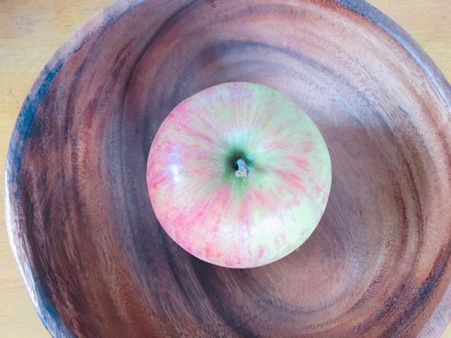 大地を守る会お試しセットの青森県のつがるりんごの写真