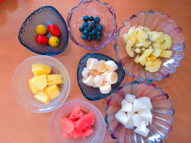 フルーツダイエットのメニュー例②キウイ・梨・グレープフルーツ・バナナ・パイナップル・ブルーベリー・トマト