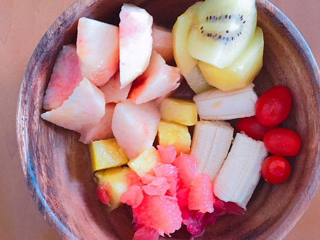 フルーツダイエットのメニュー例③桃・キウイ・トマト・バナナ・パイナップル・グレープフルーツ