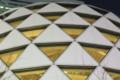 [新宿][散歩]モード学園の三角構造体。なんかカコイイ