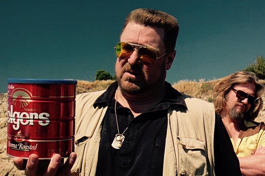 『ビッグリボウスキ』コーヒー缶でのドニーの散骨