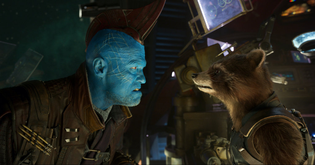 ヨンドゥとロケットが向き合っているシーンの画像です