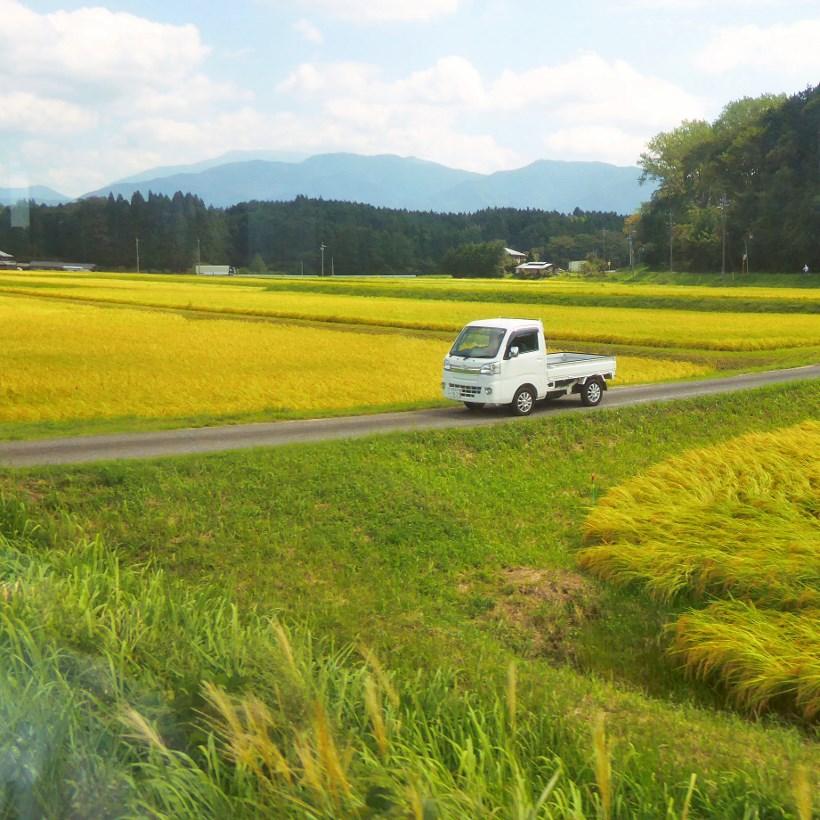 トラックのある風景/岐阜の車窓から②