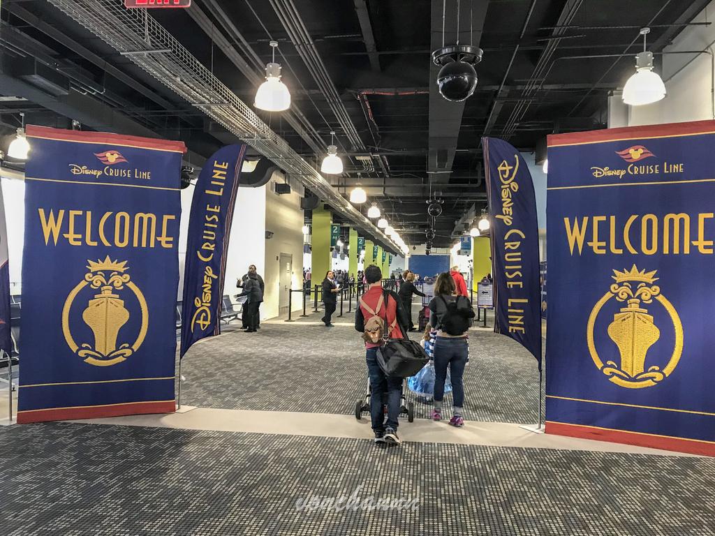 welcome!とゲストを迎え入れるDCLのバナー