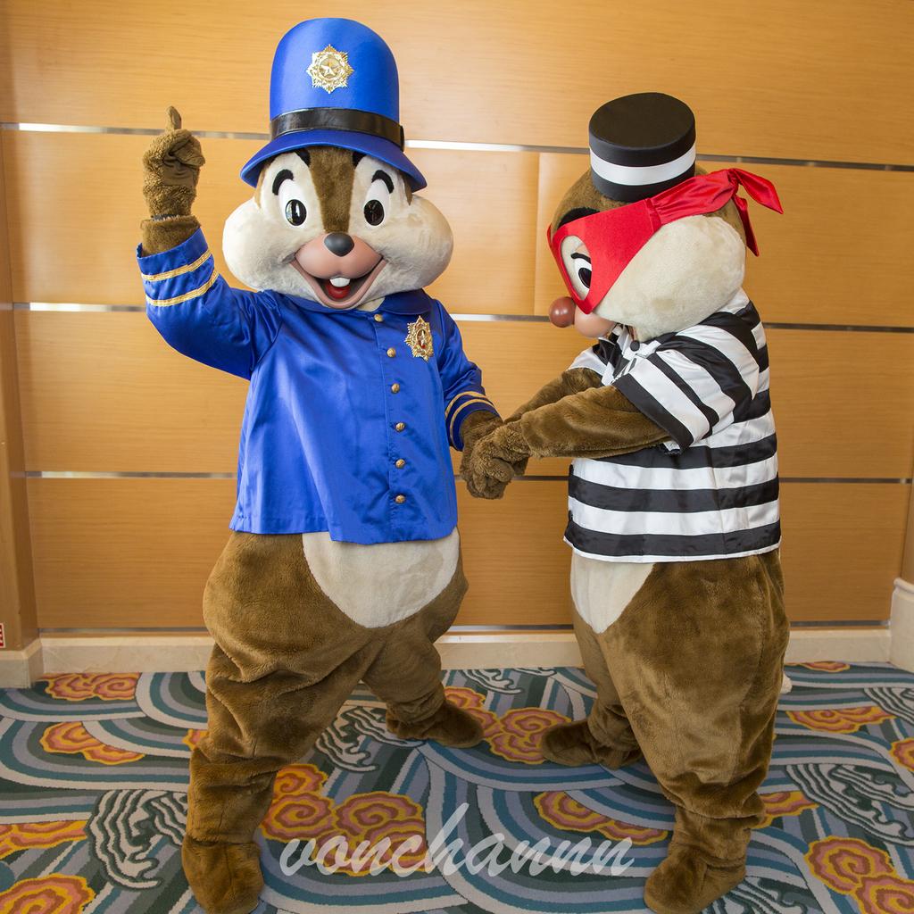 逮捕しちゃうぞ!な警察チップと囚人デール