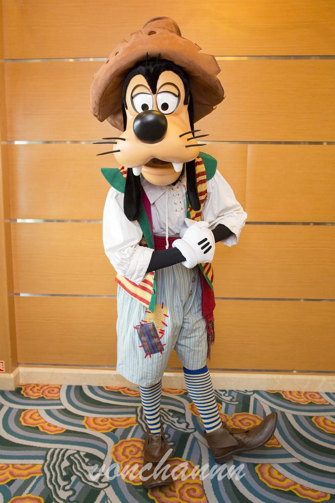 海賊の格好をしたグーフィー