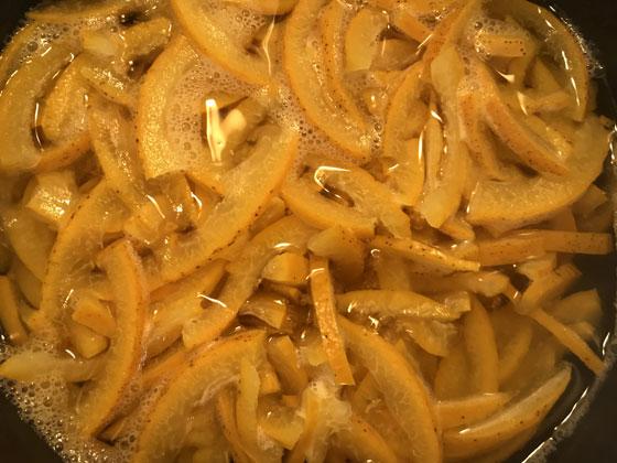 夏みかんのマーマレード(皮を煮る)