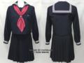 女子学院中学校の制服