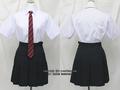 東京都立成瀬高校の制服(夏)