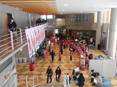 八幡平市体育館ロビー
