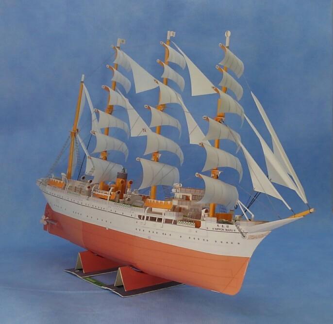 帆船日本丸右舷