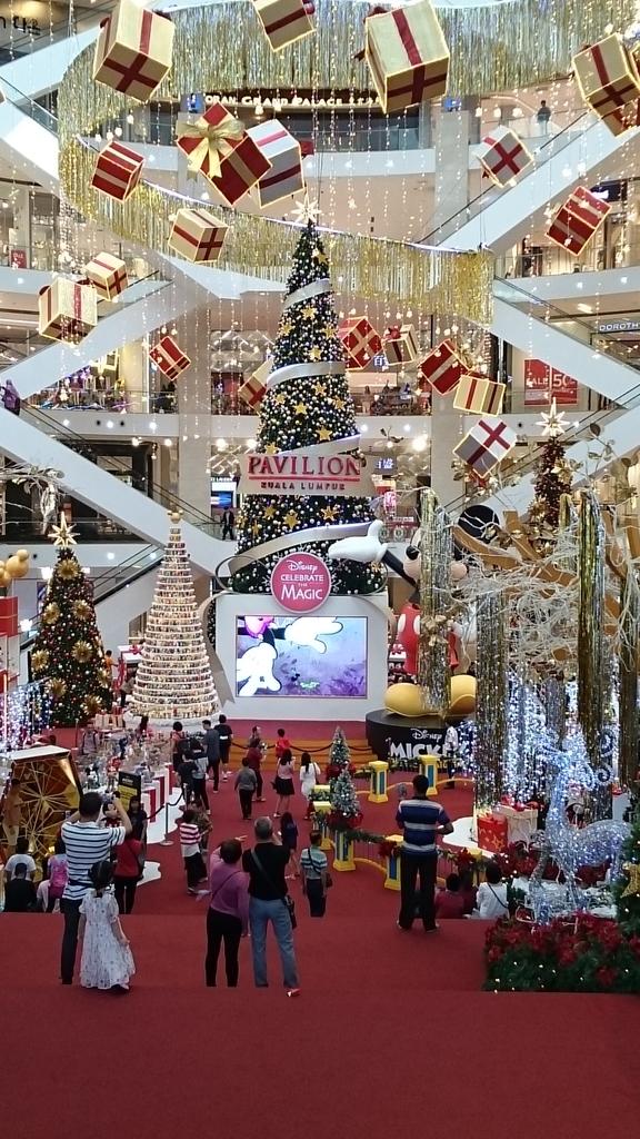 """<img src=""""クアラルンプール""""alt=クアラルンプール クリスマスツリー>"""