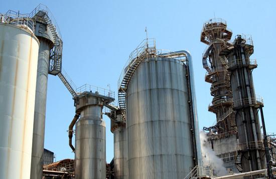 緩急自在な螺旋階段を持つ製紙工場プラント