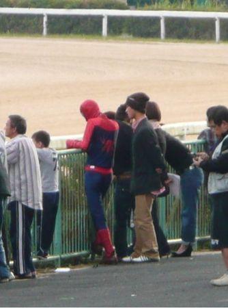 佐賀競馬場のスパイダーマン