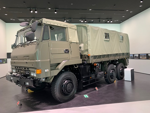 いすゞプラザ SKW 展示車両