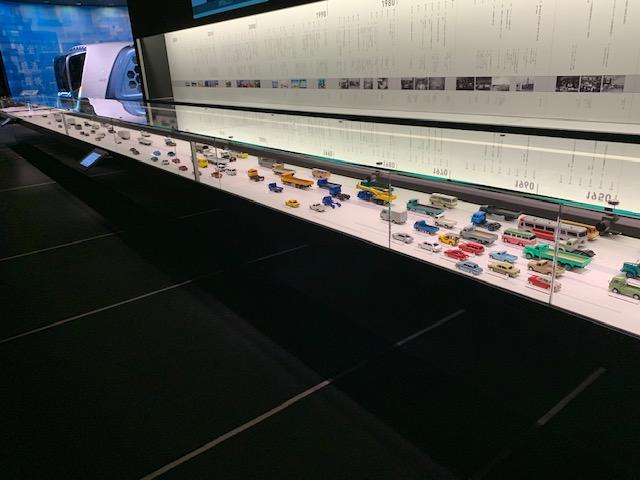 いすゞプラザ ミニカー展示