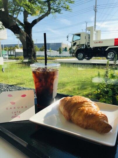 いすゞプラザ横の「さくらカフェ」