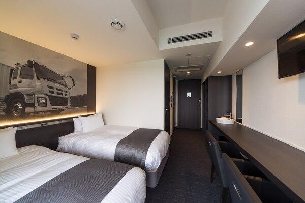 いすゞプラザ横の「PLAZA annex」のホテルの室内