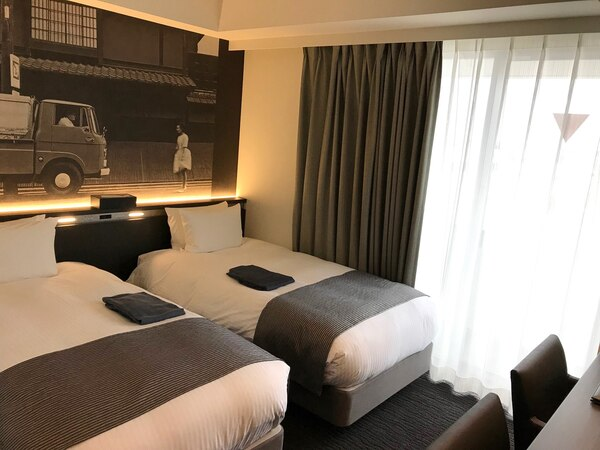 いすゞプラザ横の「PLAZA annex」のホテルの室内2