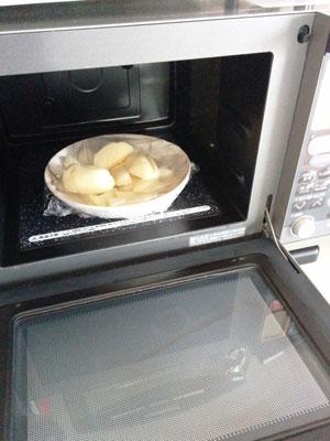 ジャガイモを電子レンジで蒸かす