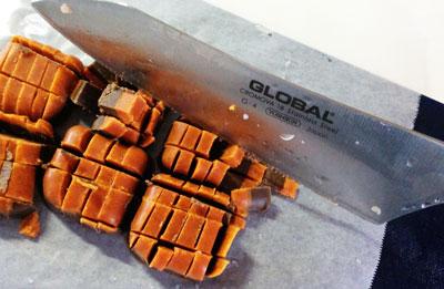 グローバルで細かく刻んだハヤシライスのルウ