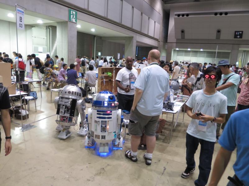 R2-D2、海外から?