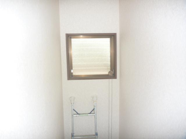 DIY 窓の引き戸がなかなか閉まらない。毎日のイライラをDIYで解決。リフォームの源さん