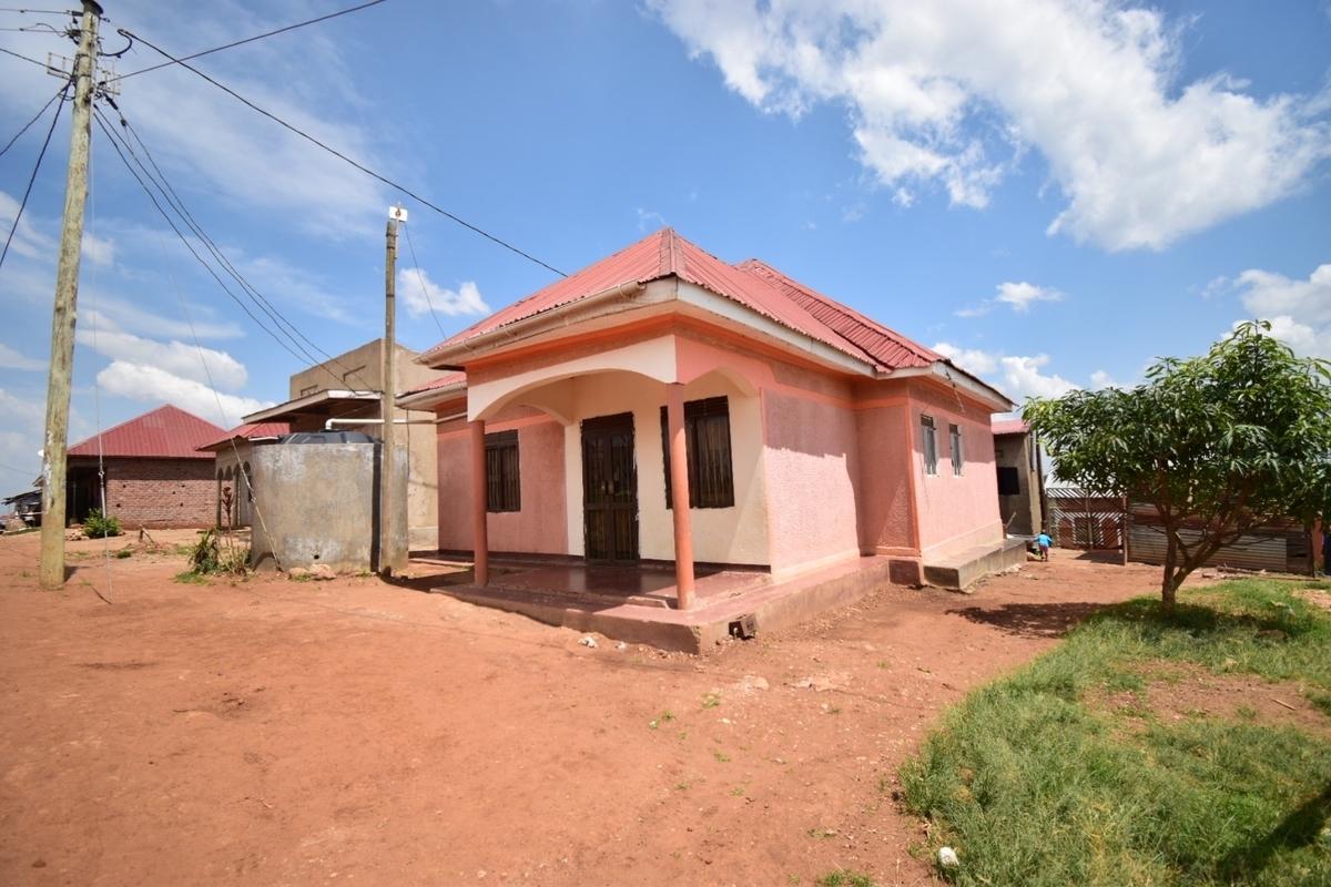 ウガンダの孤児院:SAVO